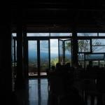 遺跡を眺める丘の上レストラン