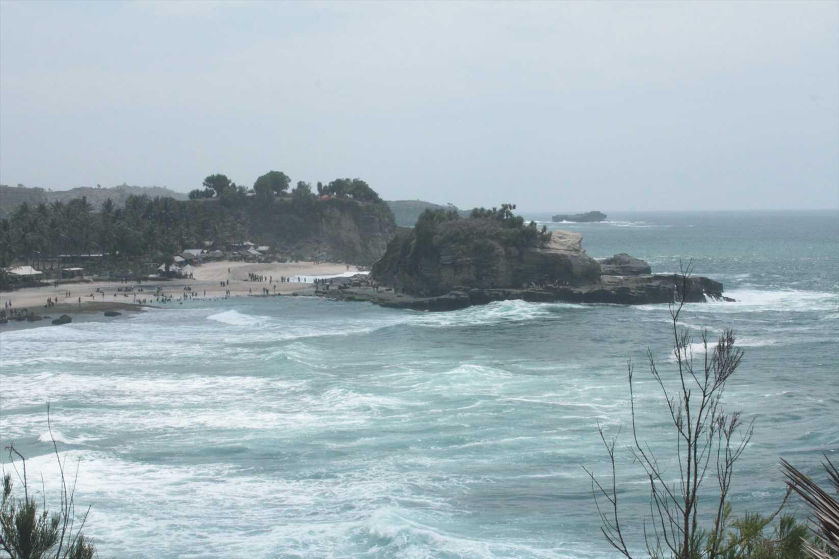 pantai klayar2
