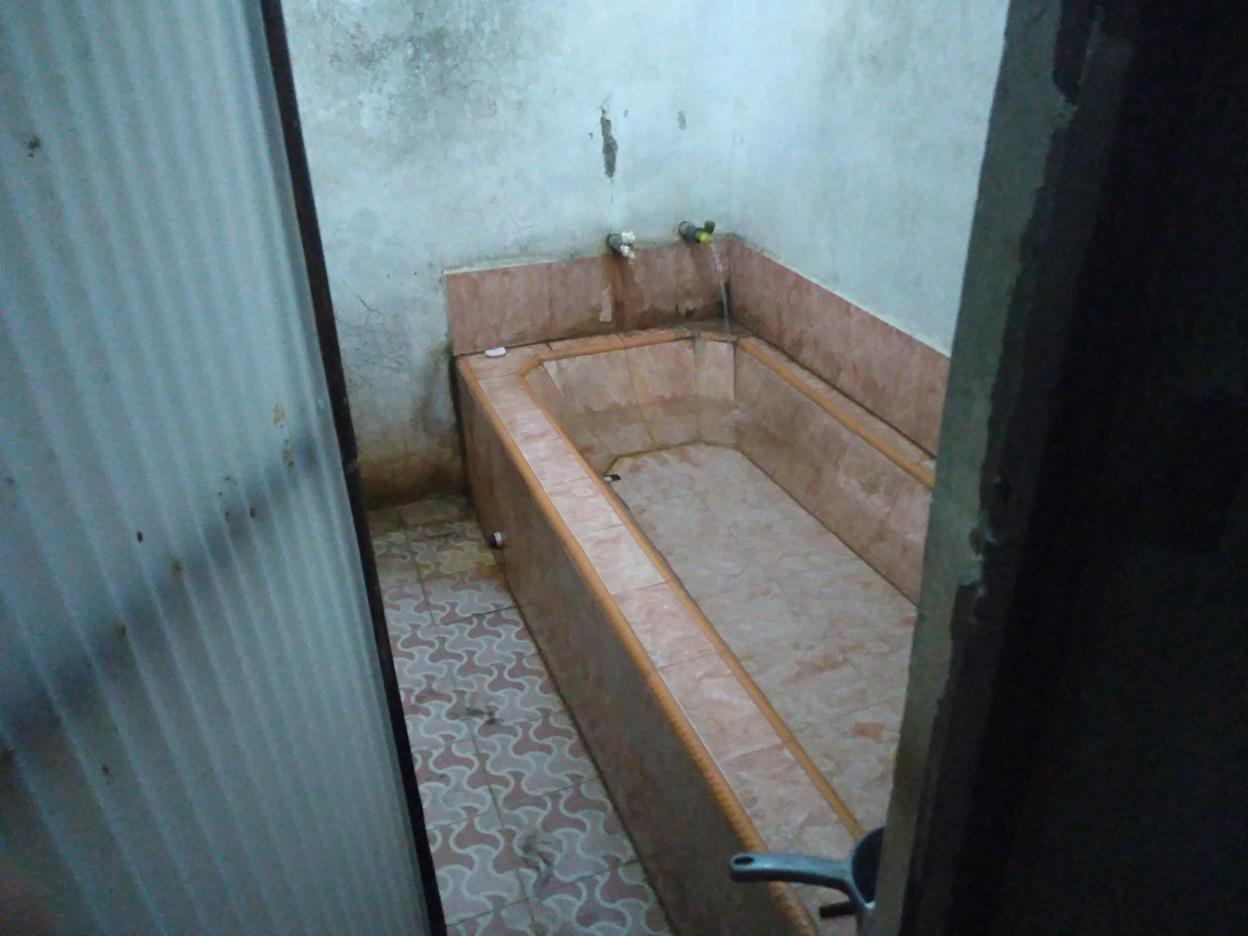 パラントゥリティスの温泉
